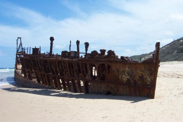 10655446.Dec2002_Fraser_Island_Shipwreck_2