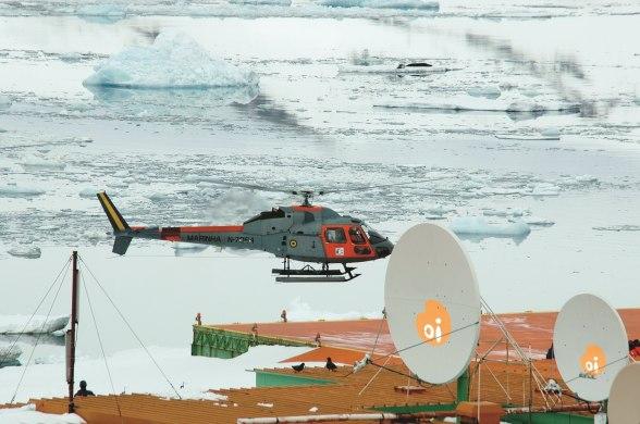 a26f4fffa1b342e5971dda21a02c1aab_Oi - antartica antenas